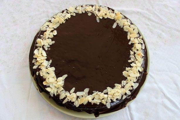 bolo fudge com cobertura de ganache