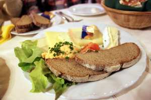 Augustiner Munique - Pães e queijos
