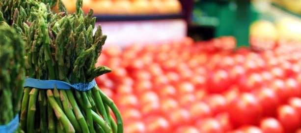 Mercados em Montreal - aspargos