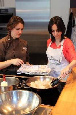 Mercados de Montreal - Natalie tentando grelhar vieiras