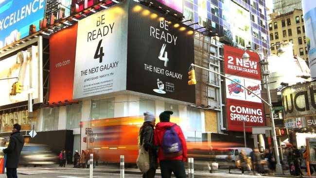 Lançamento do Samsung Galaxy S4 - outdoor Times Square