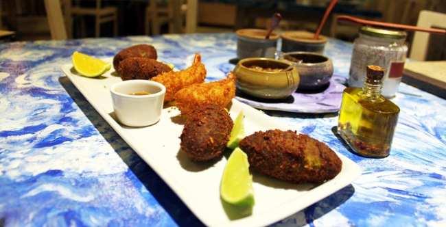 Restaurantes em Salvador - Casa de Tereza - bolinho de bacalhau, camarão empanado e croquete
