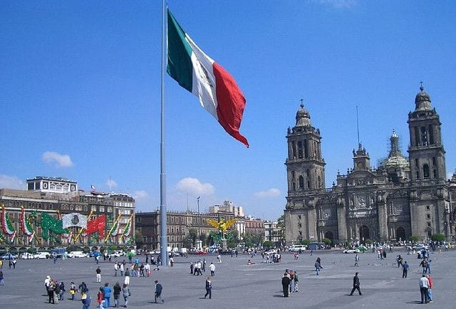 Sundaycooks no Mexico - Praça principal