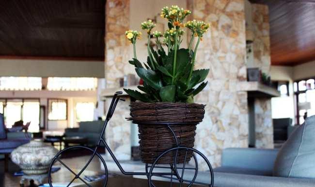 Águas de Lindóia - Villa di Mantova: sala de estar/leitura