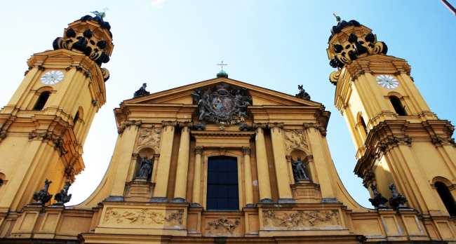 Dicas e roteiros de Munique - Theatinekirche