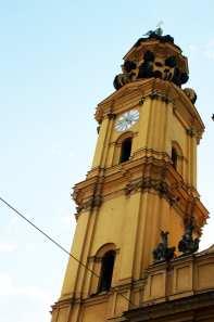 Centro histórico de Munique - Torre da Theatinekirche