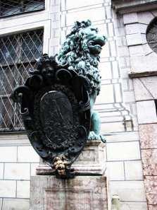 Centro histórico de Munique - Monumento em frente à Odeonsplatz