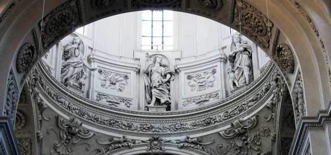 Centro histórico de Munique - Interior da Theatinekirche