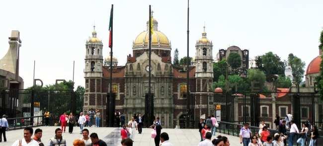 Basílica de Guadalupe - entrada