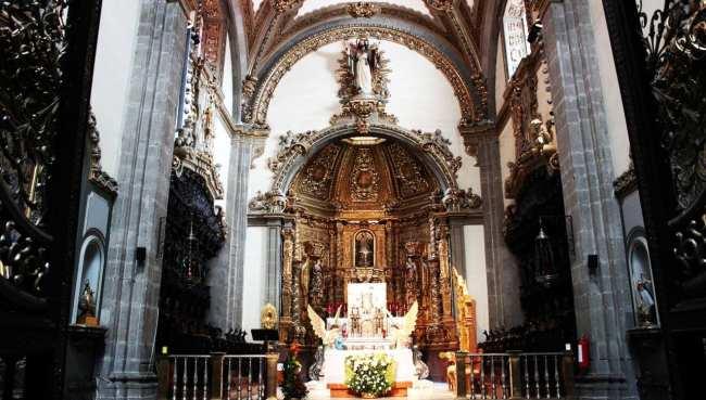 Basílica de Guadalupe - altar