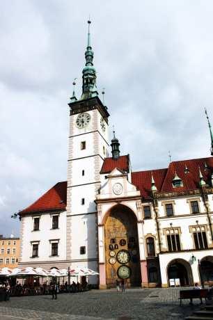 Olomouc - Prefeitura e relógio astronômico