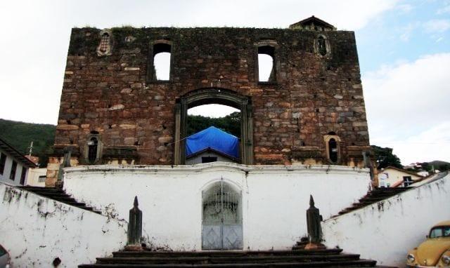 Roteiro de Sabará - Igreja Nossa Senhora do RosárioRoteiro de Sabará - Igreja Nossa Senhora do Rosário 02
