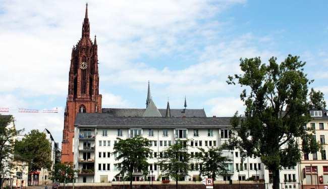 Passeio em Frankfurt - passeio de barco pelo rio Main 3