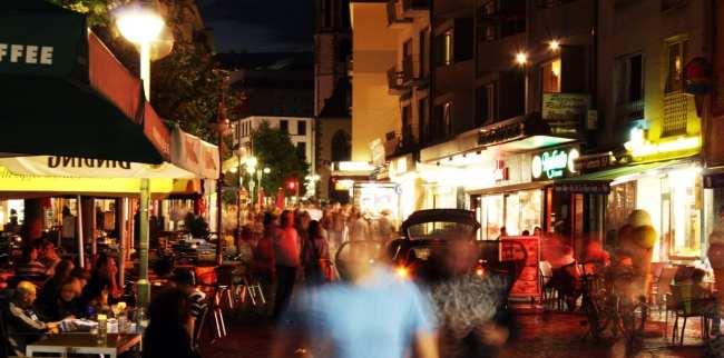 Centro Histórico de Frankfurt - Römerberg: rua turística