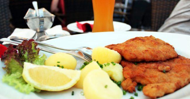 Melhores restaurantes de Frankfurt - Schnitzel do Schawarzer Stern