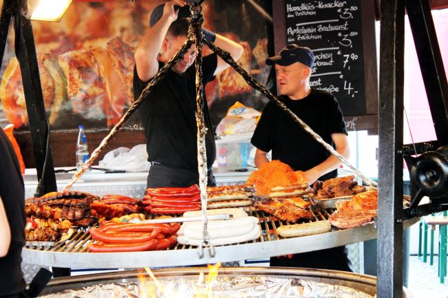 Melhores restaurantes de Frankfurt - Grelha do Festa do Apfelwein :P