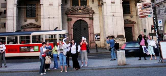 Cenas de Praga - Turistas em seu habitat natural