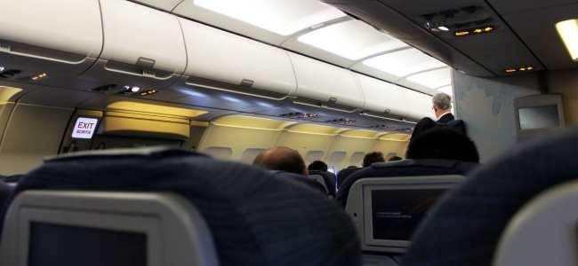 Como é voar de Air Canada - Outra vista da Econômica