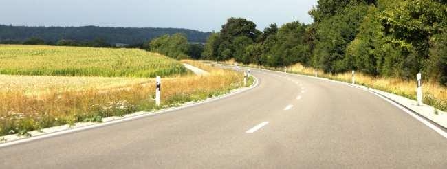 Dicas para dirigir na Alemanha - Rodovia pequena
