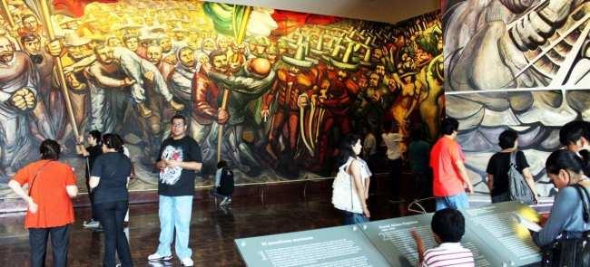 Roteiro pelo Bosque de Chapultepec - Arte no castelo