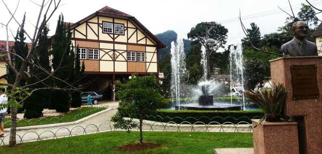 Montanhas - Praça principal de Domingos Martins