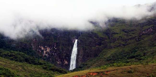 Serra da Canastra - Cachoeira Casca D'Anta ainda ao longe