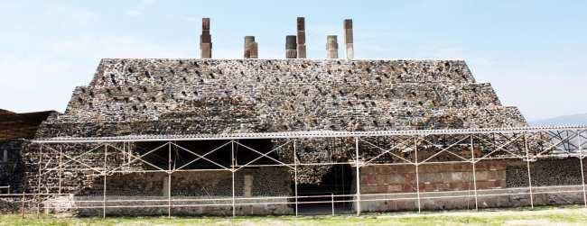 Pirâmides de Tula no México - Parte de trás da Pirâmide B