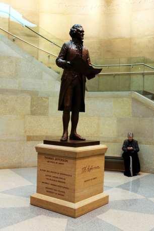 Roteiro de 1 dia em Richmond - Capitólio da Virginia Estátua de Thomas Jefferson