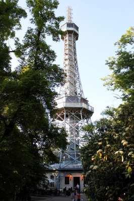 Petrin em Praga - Torre de Observação parecida com a Torre Eiffel 2