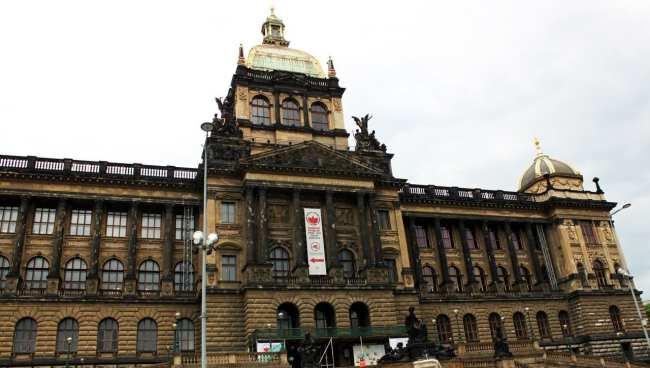 Praça Venceslau de Praga - Museu Nacional