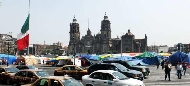 Zocalo Centro Histórico da Cidade do México - praça ocupada pelos professores