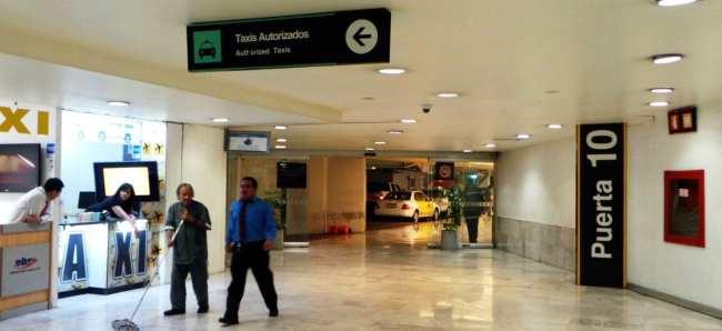 Como ir do aeroporto ao centro da Cidade do México - Saída de táxis
