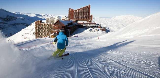 Guia de Valle Nevado - Pista com hotel ao fundo