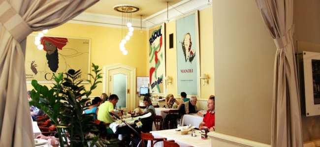 Os melhores cafés de Praga - Café Louvre 2