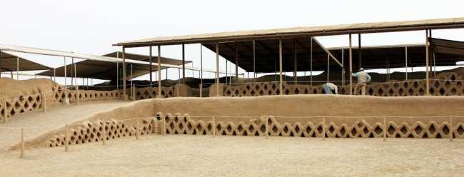 Chan Chan Patrimônio da Unesco - Interior sendo restaurado 1