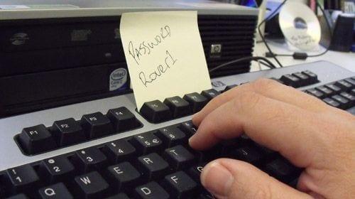 Como evitar golpes na Internet - Não faça isso com suas senhas