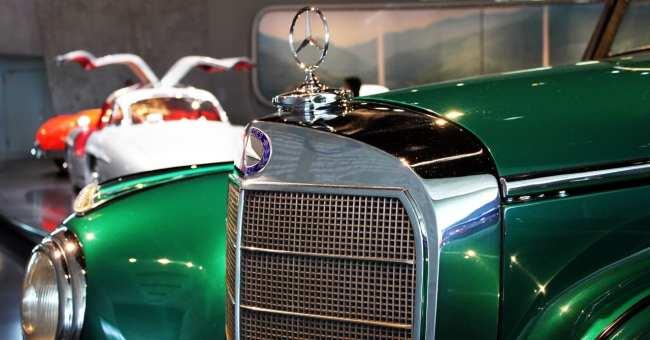 Stuttgart - Museu da Mercedes-Benz Carros 4