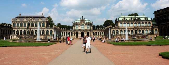 Dicas de viagem a Dresden - Cidade Velha Alstadt Zwinger de frente