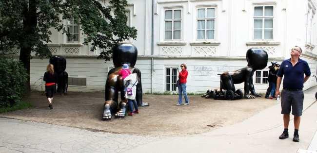De onde ver Praga do alto - Bebês David Cerny Malá Strana