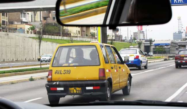 Como ir do aeroporto ao centro de Lima - Táxis