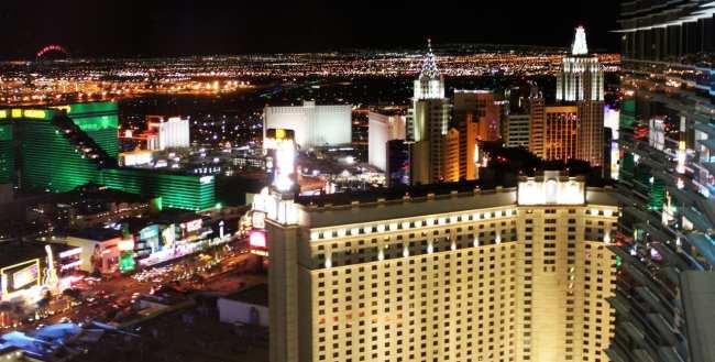 Onde ficar em Las Vegas - MGM Ao fundo de noite