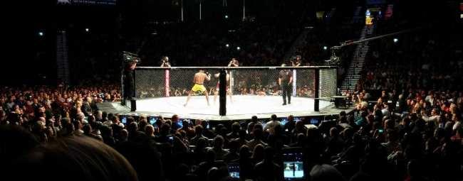Como é assistir ao UFC em Las Vegas - Anderson Silva vs Nick Diaz 12