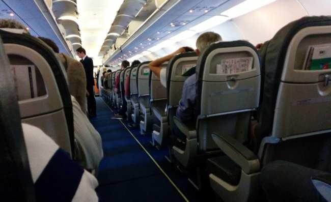 Como é voar de Sky Airline - interior da aeronave