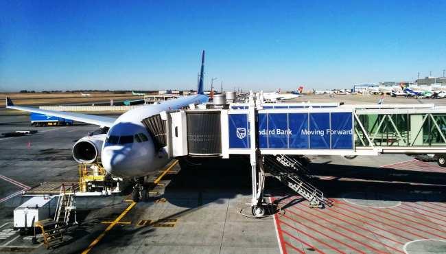 Como é voar de South African Airways