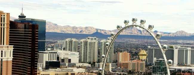 Stratosphere Las Vegas - Visão pela Torre Eiffel do Hotel Paris