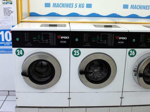 Como lavar roupa na Europa: lavandera - 01