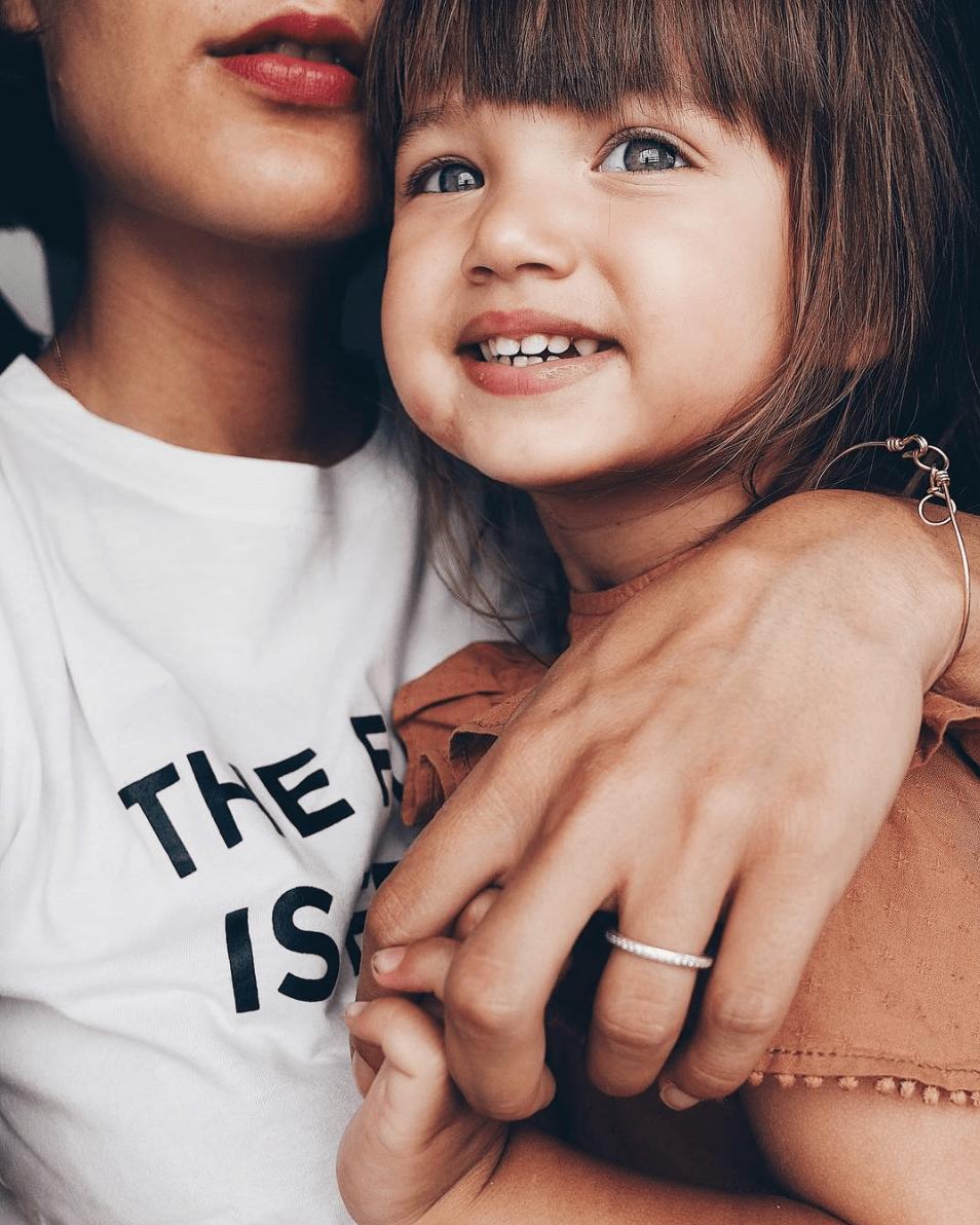 Elodie Jelena, super héroïne et maman de Chiara - Blog famille Sunday Grenadine