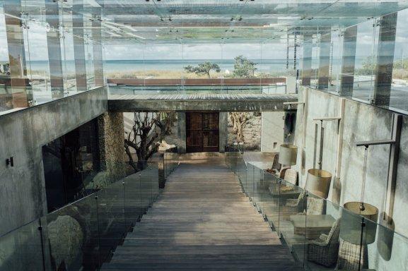 Une séance grossesse à l'hôtel Areias do Seixo // Crédit - Alex Tome