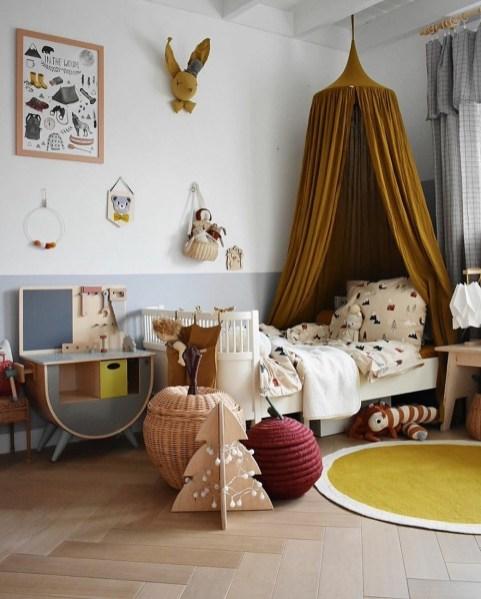Décoration chambre d'enfant moutarde