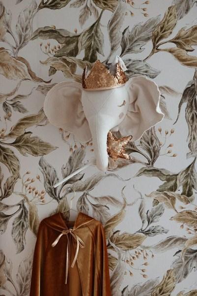 Trophée Éléphant Beige et paillettes en tissu